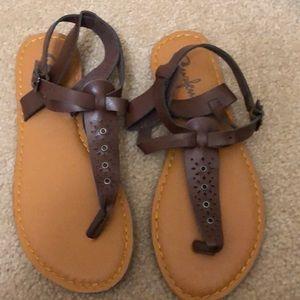 Curfew Brown Sandals Size 9